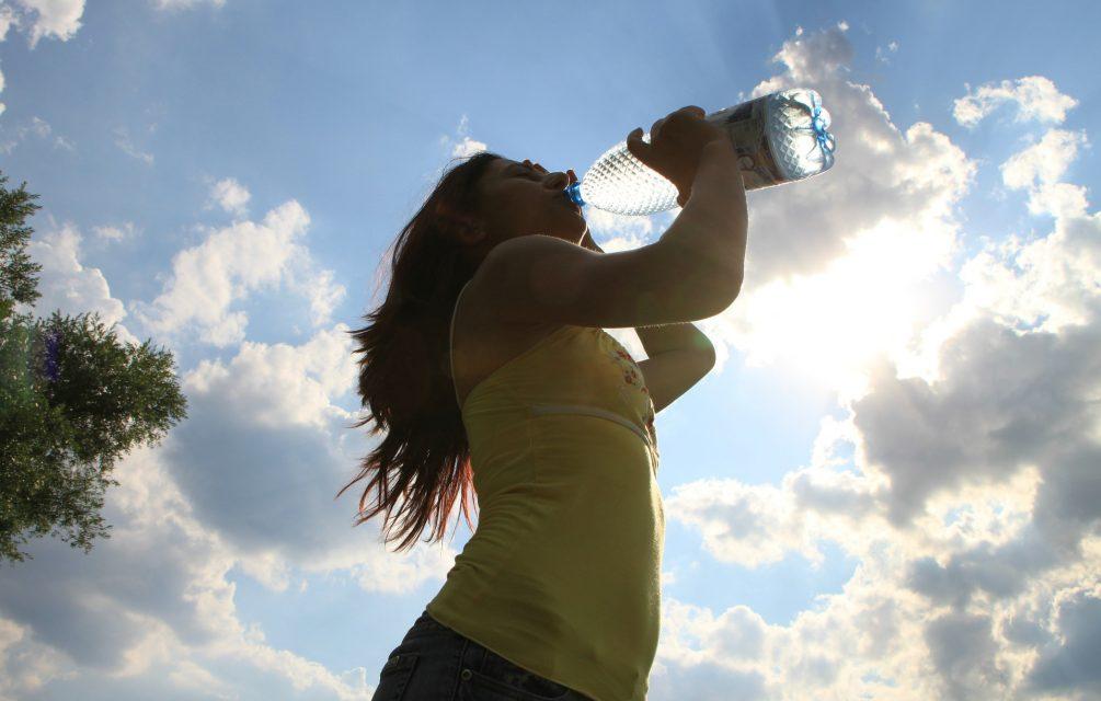 6 priežastys gerti daugiau vandens